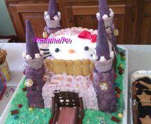 Torta castello + Hello  kitty  e pan di spagna arcobaleno