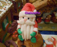 Babbo Natale in pasta di zucchero e MMF su pandorino