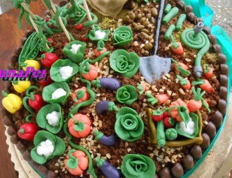 Torta-Orto pdz per i 90 anni di nonno ( torta mimosa al cioccolato)