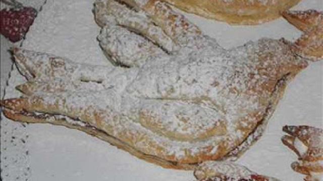 Colombine di pasta sfoglia e Colombine di pan di spagna farcite di panna e nutella