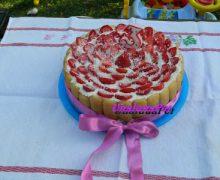 Torta con le  fragole,limoncello e crema  chantilly